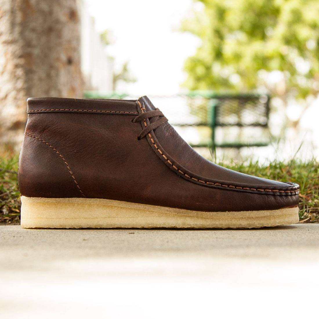 Clarks Men Wallabee Boot (brown / rust leather)