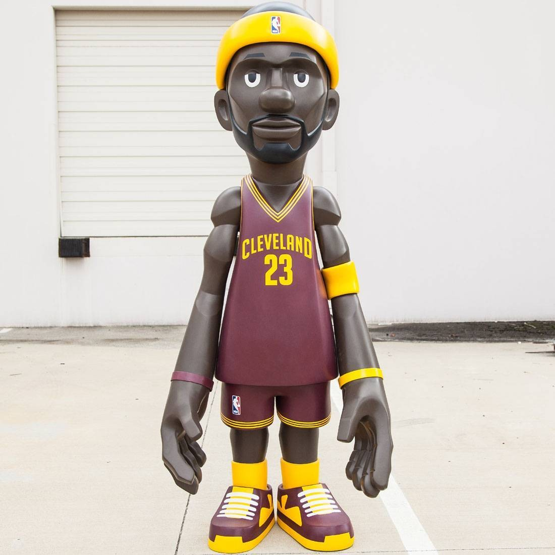MINDstyle x NBA Cleveland Cavaliers Lebron James 7 Foot Statue (red)