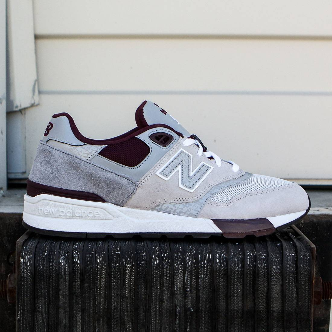 the latest 15d01 f3c28 New Balance Men 597 90s Traditional ML597NOA (gray / light grey / burgundy)