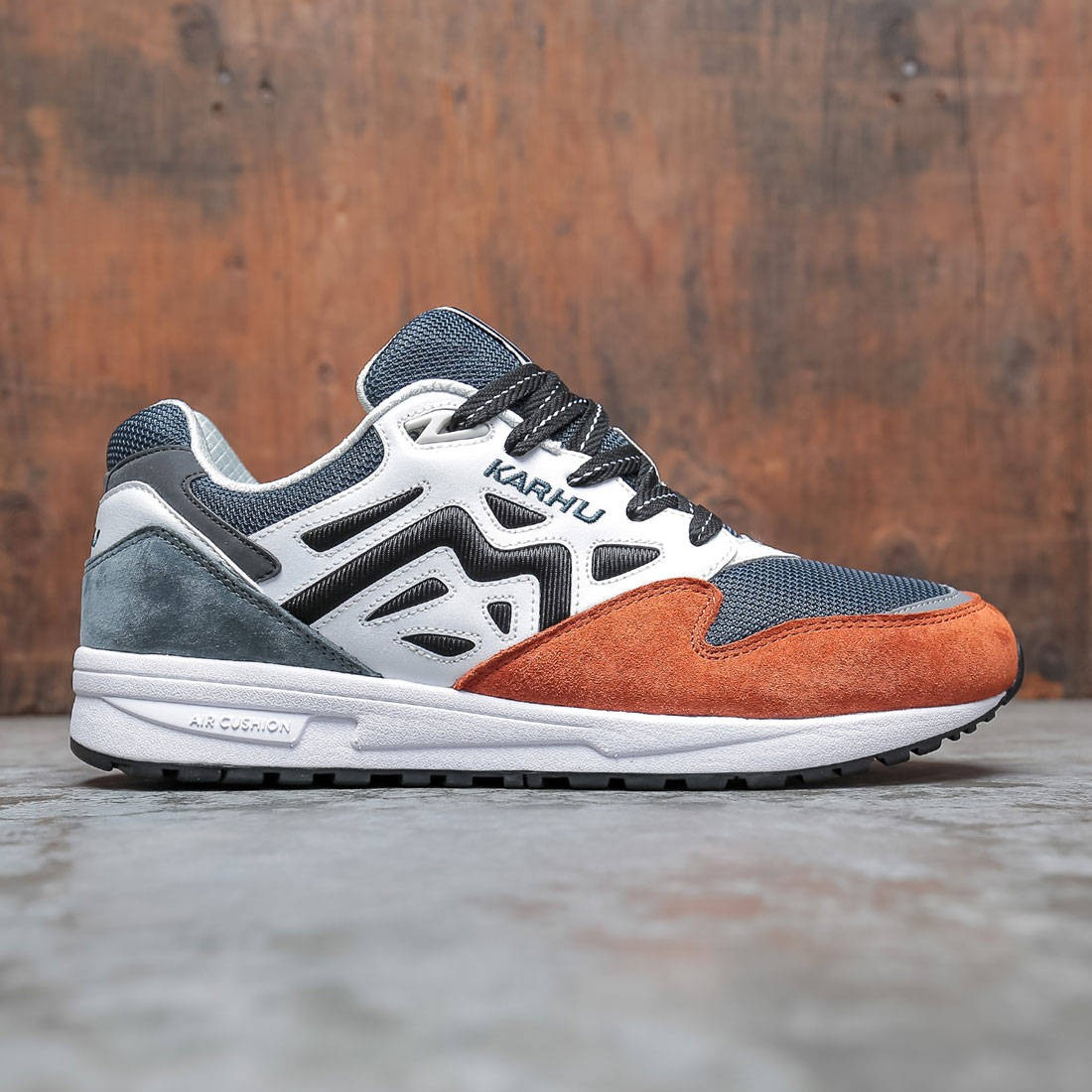 Karhu Men Legacy 96 (brown / cinnamon stick / white)