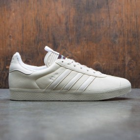 c2366ea514c62 Adidas Consortium x United Arrows And Sons x Slam Jam Men Gazelle Sneaker  Exchange (burgundy   footwear white   chalk white)