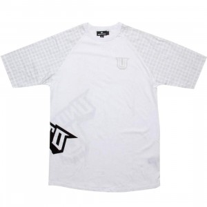 Undefeated 5 Strike Raglan (white)