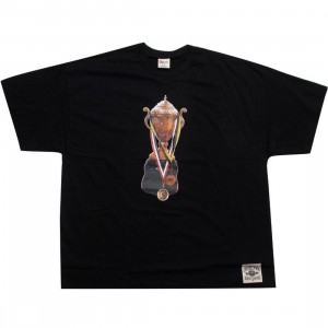 Under Crown Trophy Tee (black)