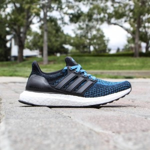 Adidas Big Kids Ultra Boost (black / crab blue)