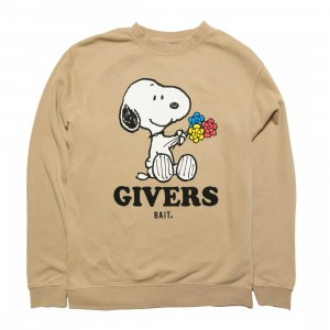 BAIT x Snoopy Men Givers Crewneck (sand / pigment)