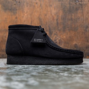 Clarks Men Wallabee Boot Suede (black)