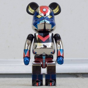 Medicom Super Alloyed Grendizer Gold Plated Version 200% Bearbrick Figure (silver)