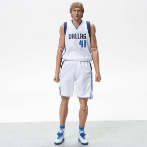 NBA x Enterbay Dirk Nowitzki 1/6 Scale 12 Inch Figure (white)