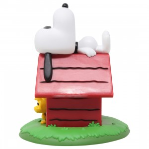 Funko POP Deluxe Peanuts Snoopy And Woodstock With Doghouse (red)