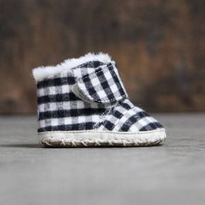 TOMS Infant Cuna Crib Shoes (black / plaid)