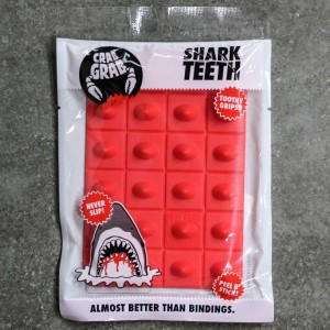 Crab Grab Shark Teeth Stomp Pad (red)
