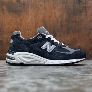 New Balance Men 990 M990NV2 - Made In USA (navy / grey)