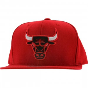 Mitchell And Ness Chicago Bulls NBA Wool Solid Snapback Cap (red)