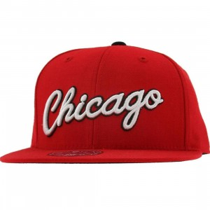 Mitchell And Ness Chicago Bulls NBA HWC Alternate 2 Fitted Cap (red / white / black)