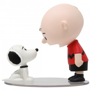 Medicom UDF Peanuts Series 9 Charlie Brown And 1950's Snoopy Ultra Detail Figure (red)