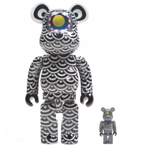 Medicom Sasada Yasuto x Ground Y 100% 400% Bearbrick Figure Set (black / white)