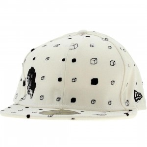 Stussy Mode Block New Era Fitted Cap (white)