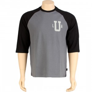 Undefeated Baseball 3/4 Raglan Tee (black)