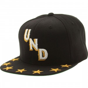 Undefeated Star Snapback Cap (black)
