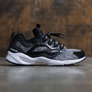 Reebok Men Fury Adapt (black / white)