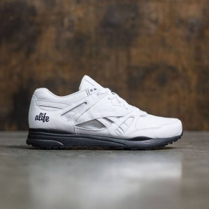 Reebok Women Ventilator ALIFE (white / black)