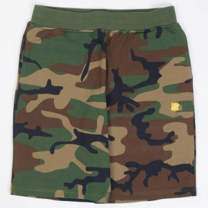 Undefeated Men 5 Strike Fall 2017 Sweatshorts (camo)
