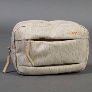 Incase City Accessory Pouch (khaki / heather)