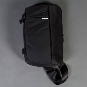 Incase DSLR Sling Pack - Nylon (black)