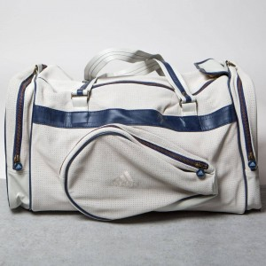 Adidas x Pharrell Williams Vintage Team Bag (white / chalk white / dark blue)