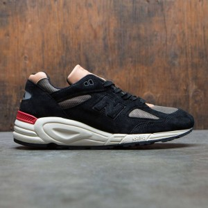 New Balance Men 990v2 Desert Heat M990CDB2 - Made In USA (black / phantom / triumph green)