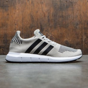 Adidas Men Swift Run (beige / sesame / core black / footwear white)