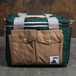 Poler Mega Camera Cooler Bag (green / dark green)