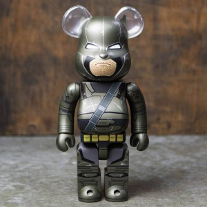 Medicom Armored Batman 400% Bearbrick Figure - Batman vs Superman (metallic)