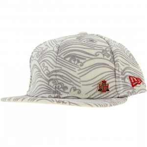 Crooks and Castles Waves New Era Fitted Cap (white)