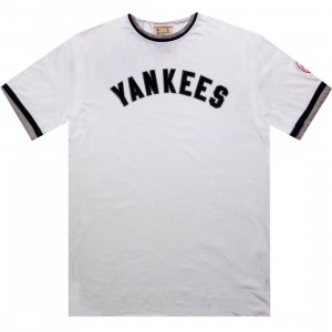 Red Jacket New York Yankees Remote Control Tee (white)